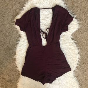 Kendall + Kylie maroon red romper pockets